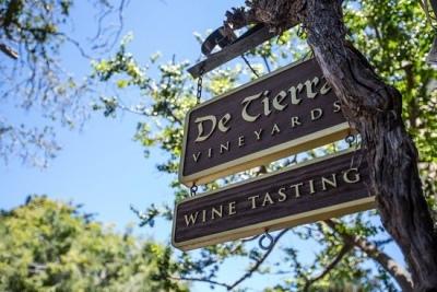 De Tierra Vineyards tasting room in Carmel Village