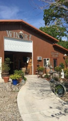 Tuscan Ridge Estate Winery entrance